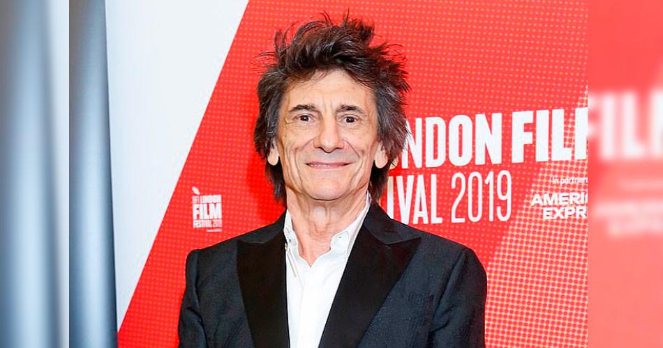 Novo documentário de Ronnie Wood, dos Rolling Stones, traz retrato íntimo de suas lutas pessoais