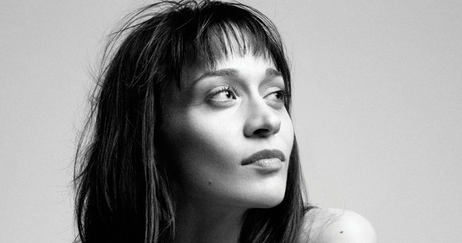 "Fiona Apple faz nova versão para ""The Whole of the Moon"", do The Waterboys"