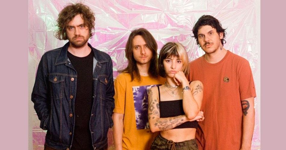 Violet Soda assina com a Deck e lança seu primeiro álbum