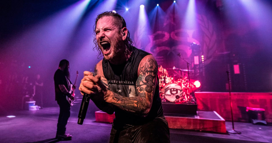 "Stone Sour disponibiliza clipe ao vivo de ""Whiplash Pants"""