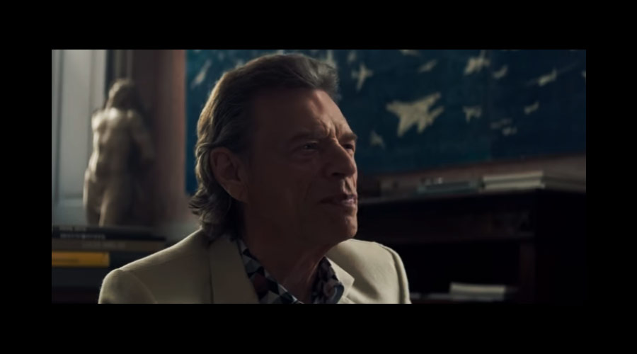"""Mick Jagger estará nos cinemas em 2020! Cantor é destaque no 1º trailer de """"The Burnt Orange Heresy"""""""