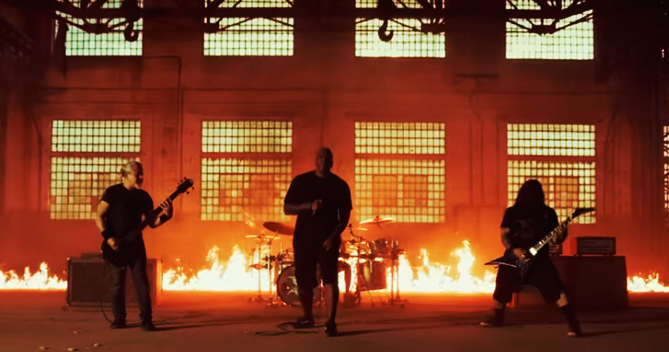 "Sepultura libera videoclipe da faixa ""Means To An End"""