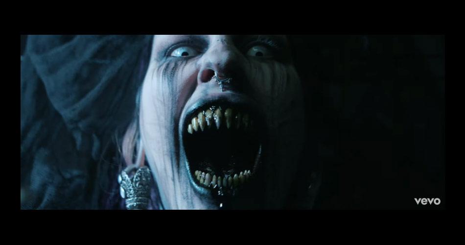 Em clipe aterrorizante, Lamb of God critica obsessão da sociedade por dispositivos digitais