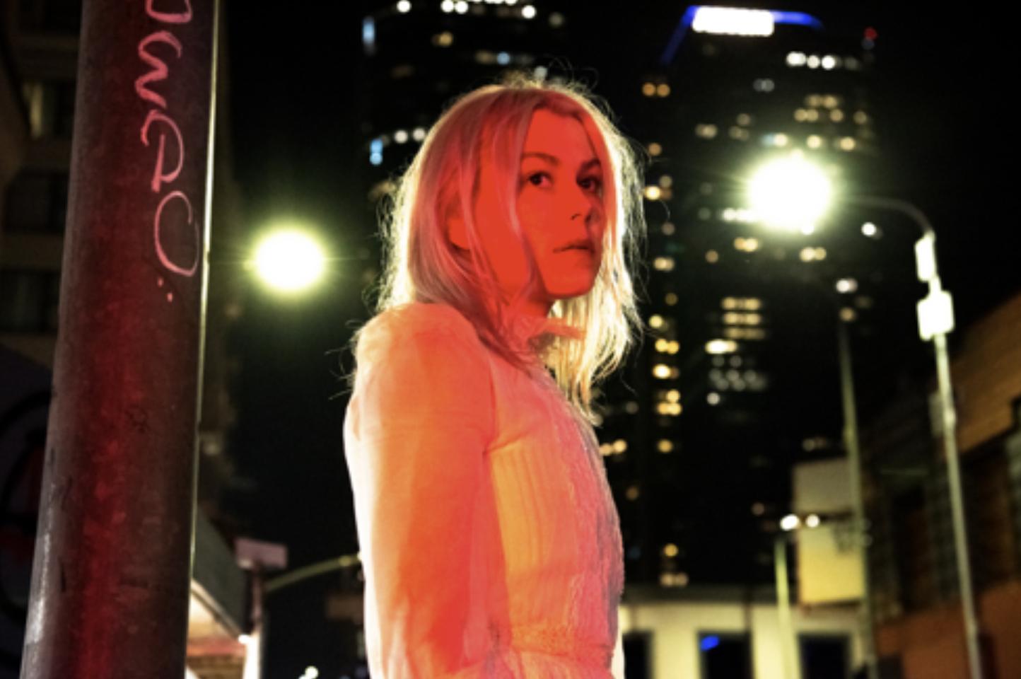 Phoebe Bridgers anuncia novo álbum e libera novo single acompanhado de videoclipe