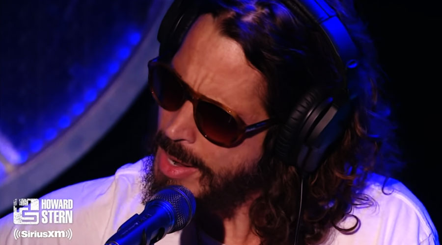 "Howard Stern recupera vídeo de Chris Cornell fazendo ""Thank You"", do Led Zeppelin"