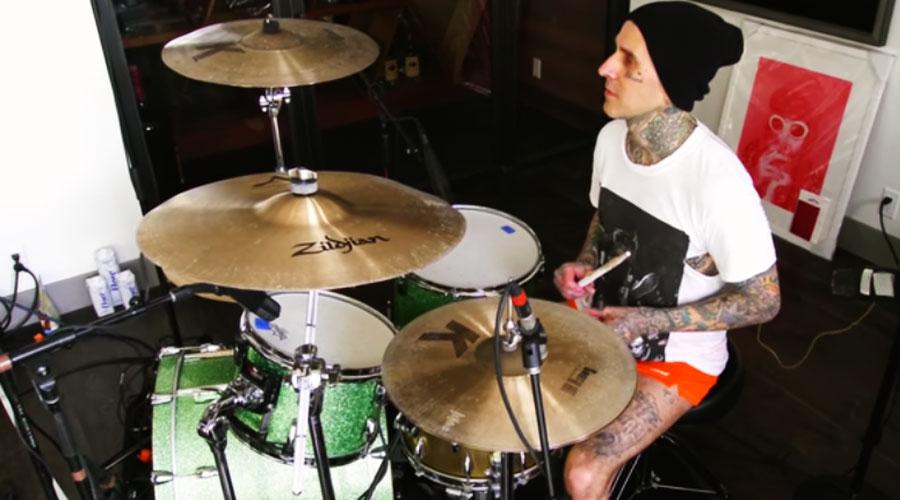 Travis Barker, do Blink-182, revela que vai iniciar parceria com Post Malone
