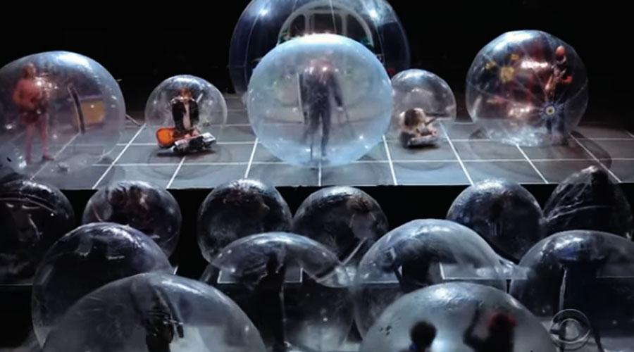 Cada um na sua bolha e The Flaming Lips faz o show mais seguro da pandemia