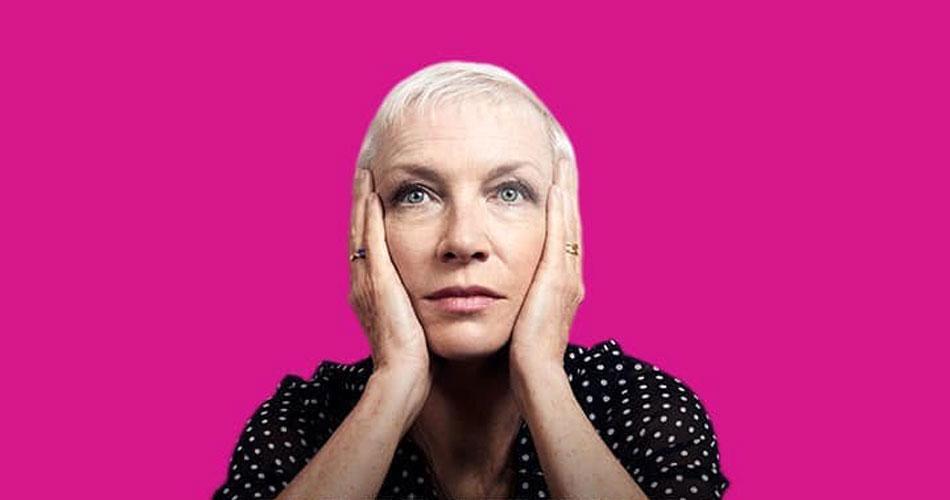 """Annie Lennox anuncia reedição de 10 anos do álbum """"A Christmas Cornucopia"""" com nova faixa"""