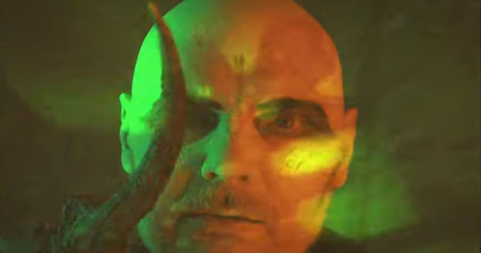 "Smashing Pumpkins lança videoclipe do single ""Wyttch"""