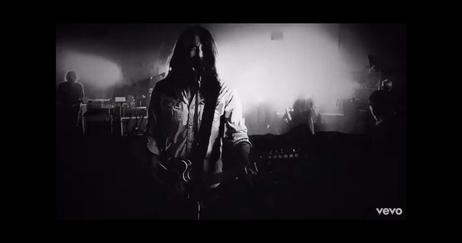 """Um dia após lançar disco novo, Foo Fighters estreia clipe da faixa """"No Son Of Mine"""""""