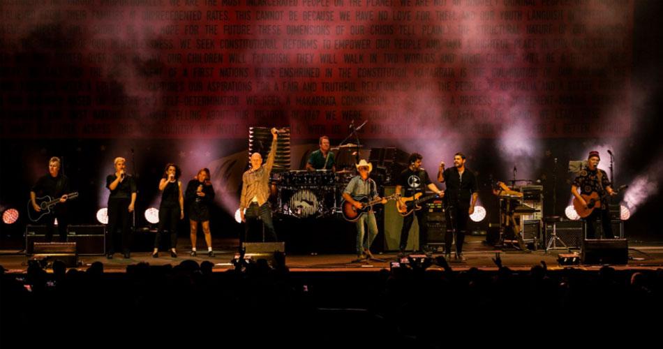 Midnight Oil reúne 13 mil pessoas em show na Austrália