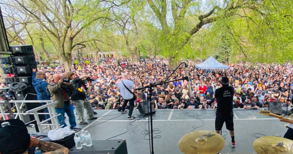 Festival de hardcore reúne 3 mil pessoas em parque de Nova York