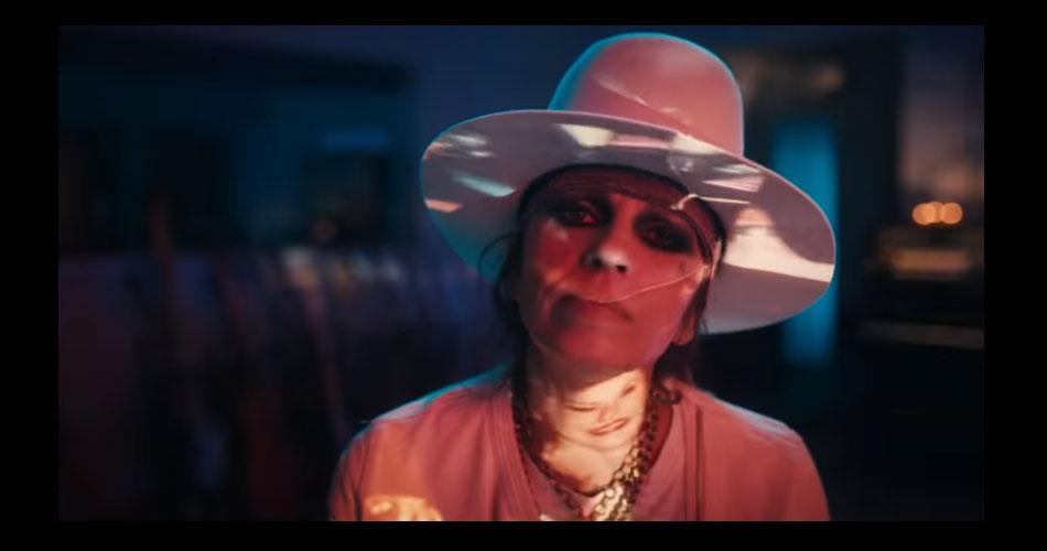 Linda Perry, do 4 Non Blondes, lança sua 1ª nova música em 15 anos
