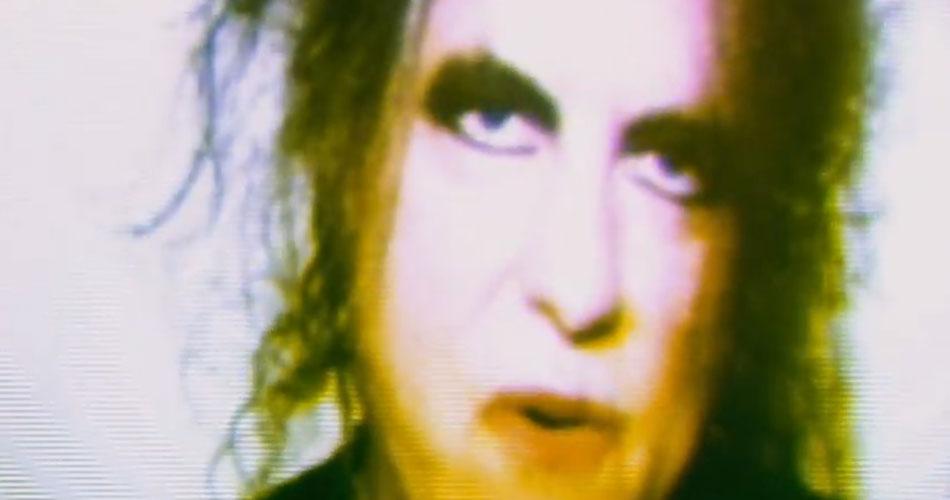 Veja videoclipe da colaboração de Robert Smith, do The Cure, em novo single do Chvrches