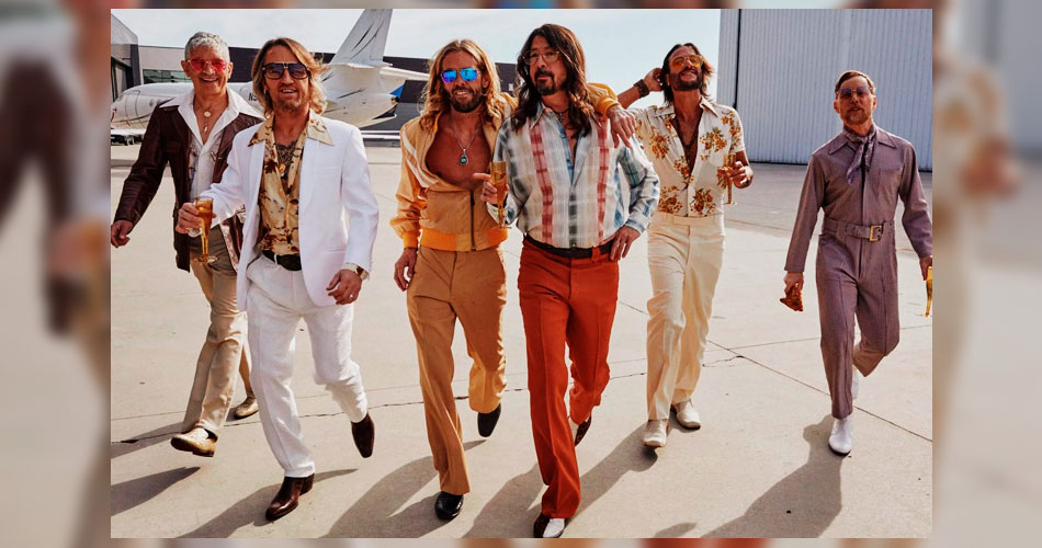 """Foo Fighters libera videoclipe de """"You Should Be Dancing"""", cover dos Bee Gees"""