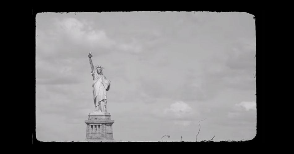 Em ação política, The Strokes mostram nova música