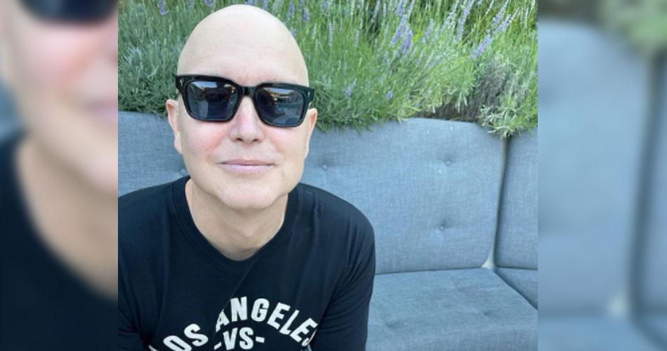 Mark Hoppus compartilha sua 1ª foto após revelar luta contra câncer
