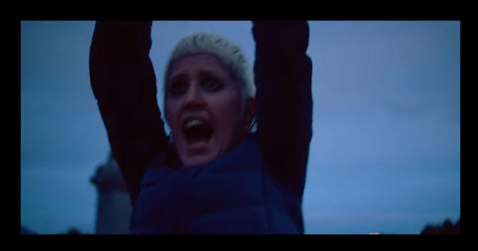 """Amyl and the Sniffers estreiam novo single;  veja clipe de """"Security"""""""