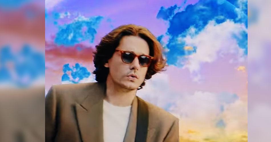 """John Mayer mergulha nos anos 1980 em videoclipe do single """"Wild Blue"""""""