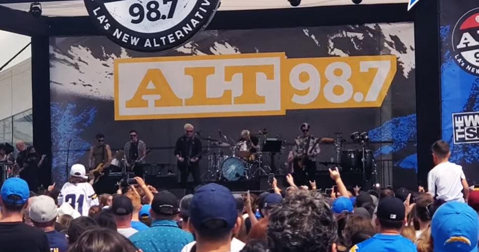 Offspring estreia novo baterista em seu retorno aos palcos