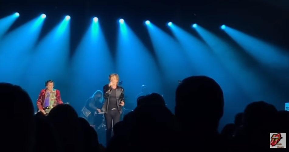 Vídeos: Rolling Stones fazem seu primeiro show de 2021 com bela homenagem a Charlie Watts